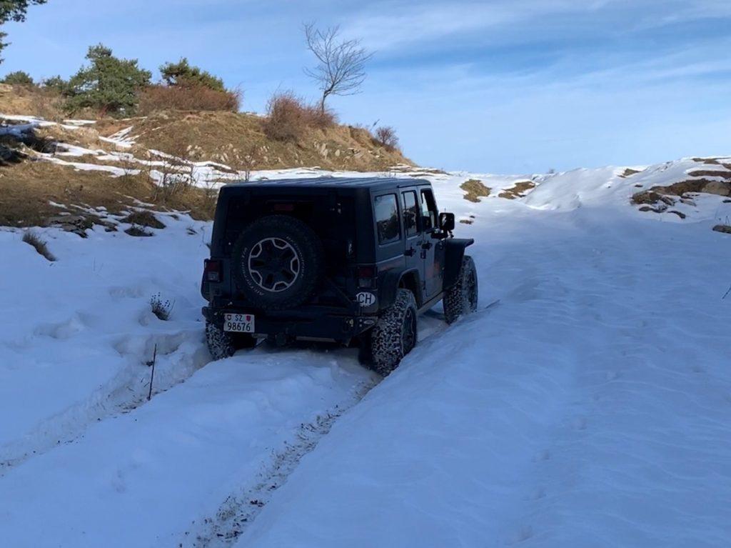 Offroad auf Schnee und Eis mit dem Jeep Wrangler kein Problem
