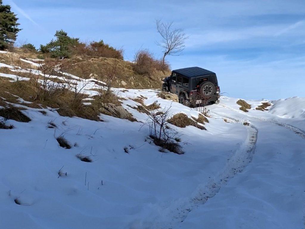 Offroad auf Schnee und Eis. Das macht Spass mit dem Wrangler