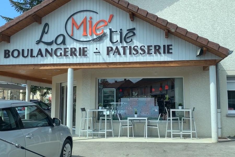 Boulangerie in Domblans mit leckeren Baguettes