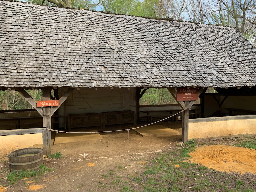 Schule Pythagoras im Chateau Guédelon