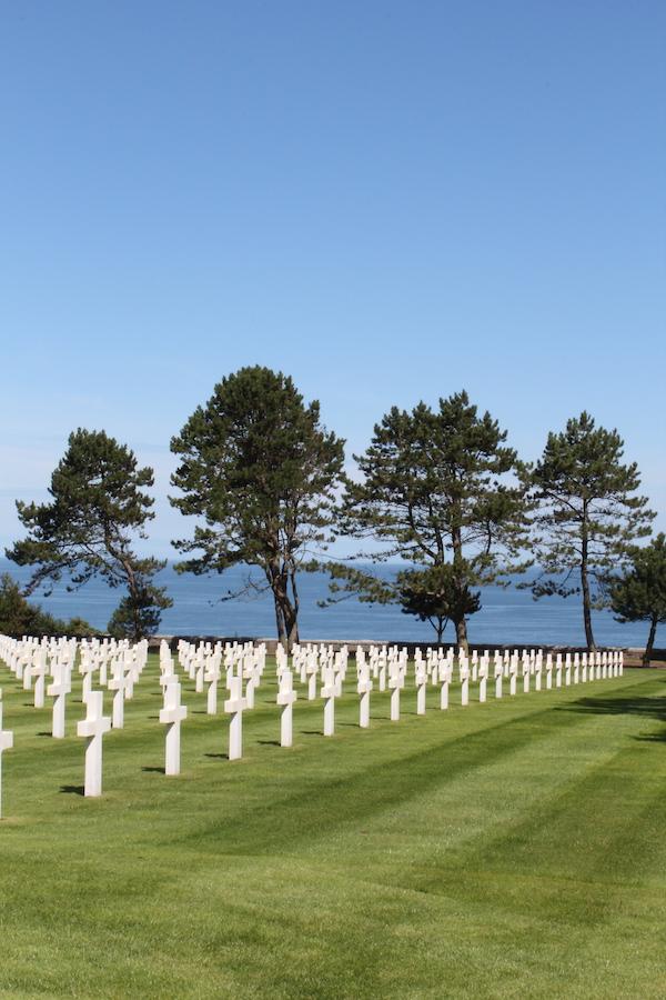 Amerikanischer Friedhof am Omaha Beach in der Normandie