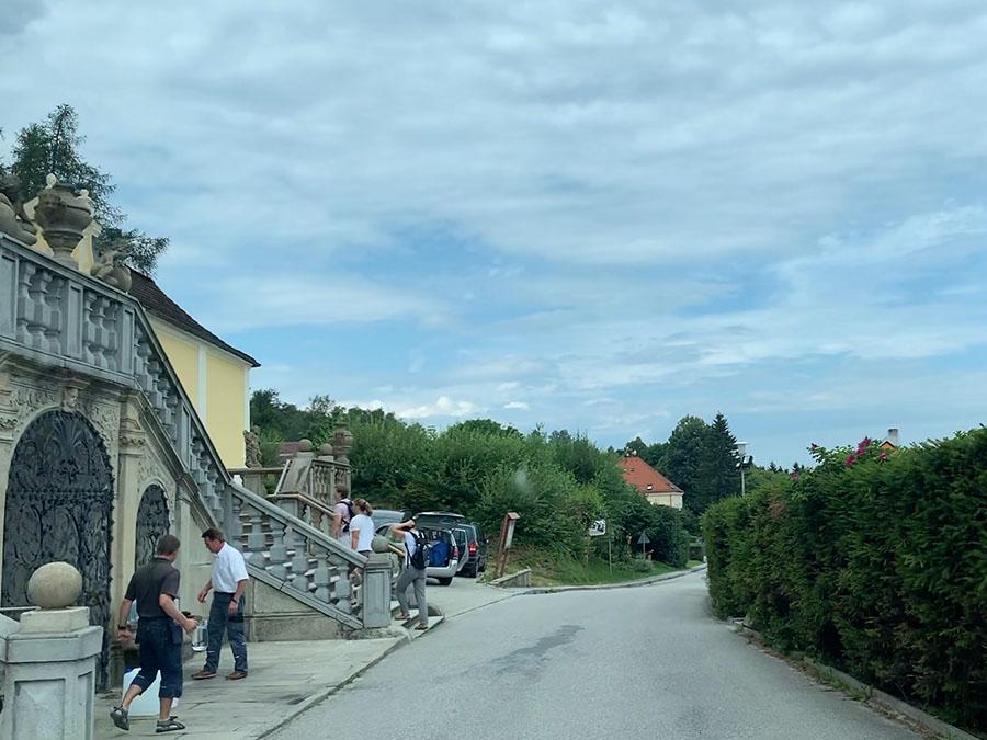 Dobrá Voda, gutes Wasser im Brunnen vor der Wallfahrtskirche Maria Trost
