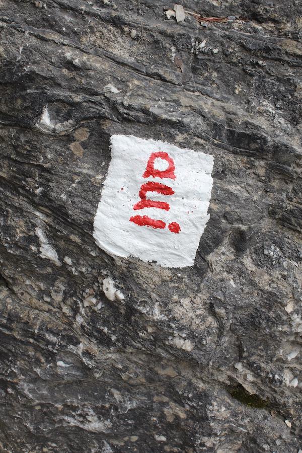 Beschriftung des Klettergartens, Strecke namens aui.