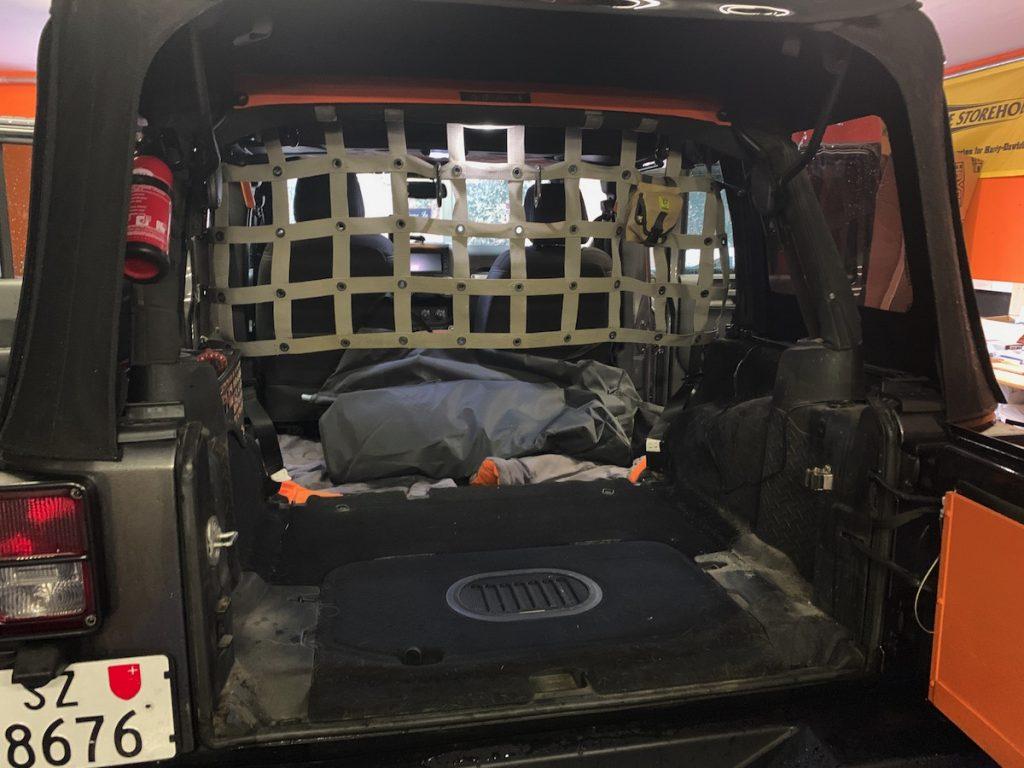 Der Kofferraum ist leer, wir starten mit den Massaufnahmen und der Planung