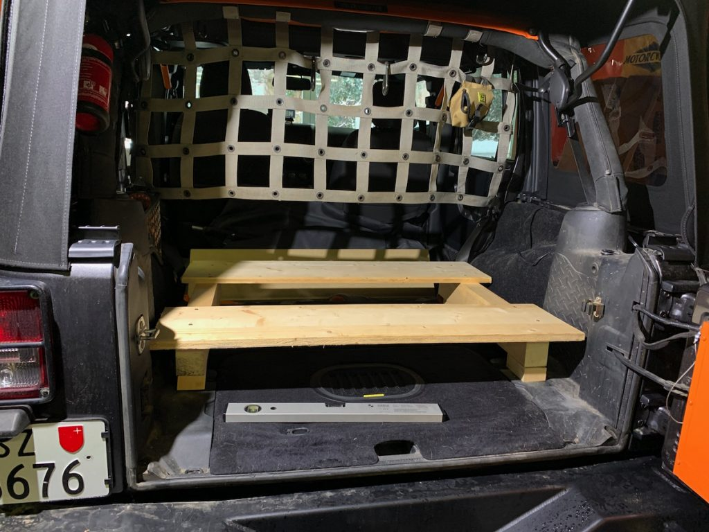 We build a wooden mock-up of the base, for our DIY Storage Unit JEEP