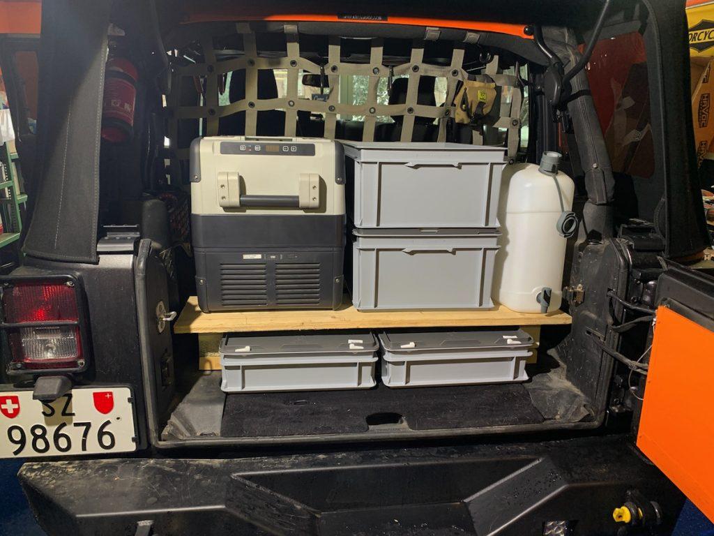 So soll dann die Aufteilung ungefähr sein, in Teil 03 seht ihr wie wir das DIY Camping Möbel für unseren Jeep bauen.
