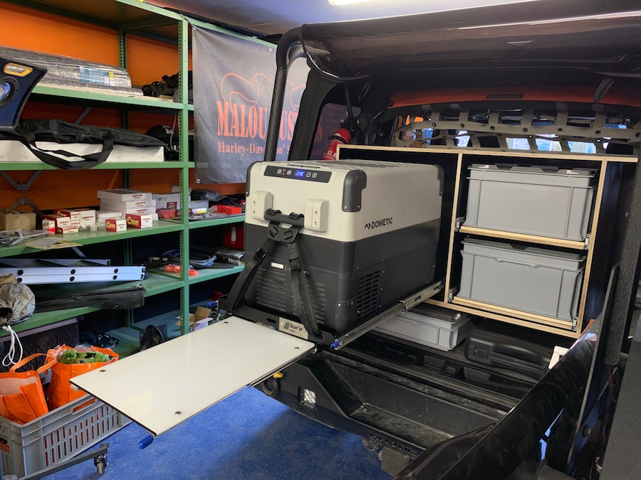 Kühlschrankschublade mit einer zusätzlichen Ablagefläche