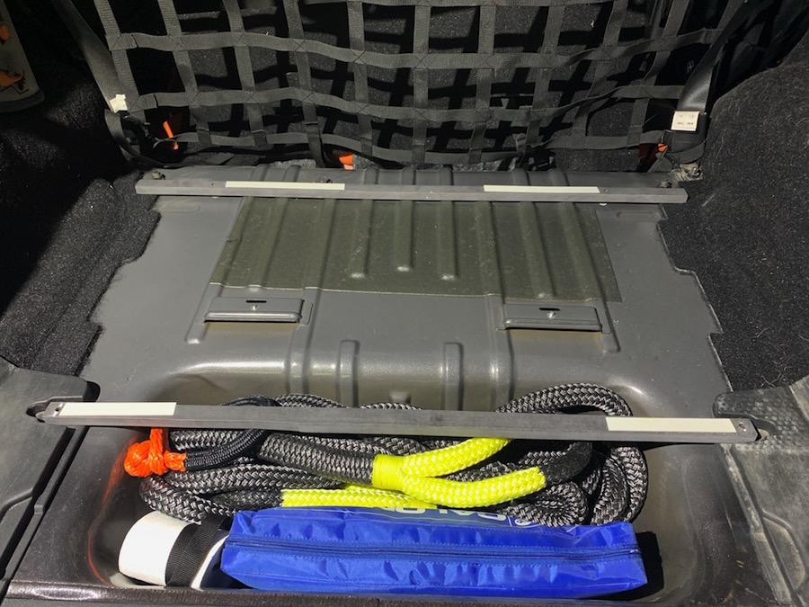 Camping Ausbau Jeep Wrangler: Vorbereitung für die Bodenplatte