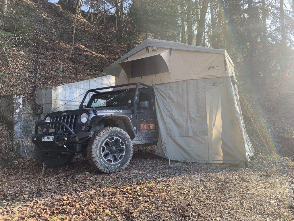 Gollum, unser Jeep JKU mit dem Desert 140 Dachzelt von Horntools