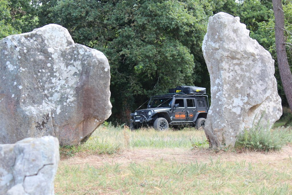 Dolmens and menhirs of Brittany: Quadrilatère in Crucuno with man-high menhirs