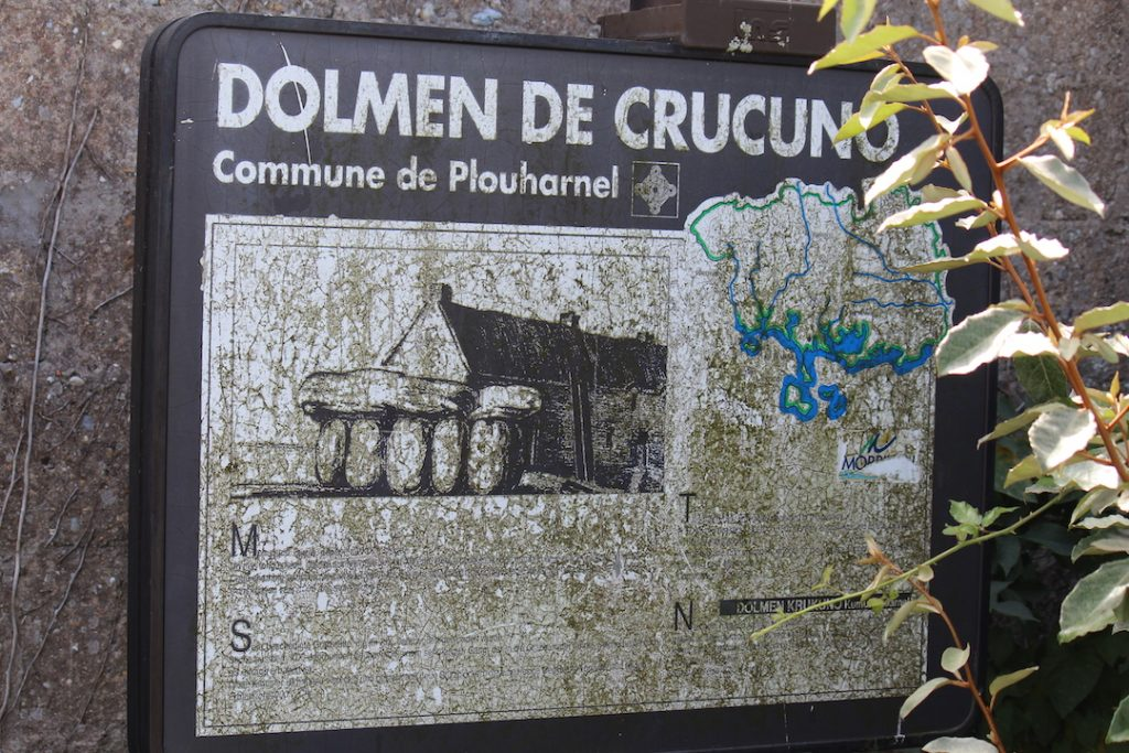 Dolmens and menhirs of Brittany: Dolmen of Crucuno in the municipality of Plouharnel